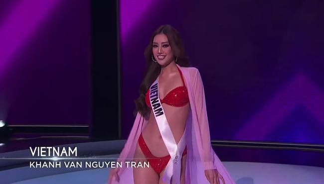 Bán kết Hoa hậu Hoàn vũ 2020: Tự hào trước màn trình diễn bikini thần thái và sexy của Khánh Vân, một thí sinh bị vấp - Ảnh 8.