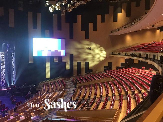 Chung kết Miss Universe 2020: Lộ diện những hình ảnh đầu tiên của Khánh Vân và dàn thí sinh trên sân khấu cực hoành tráng - Ảnh 3.