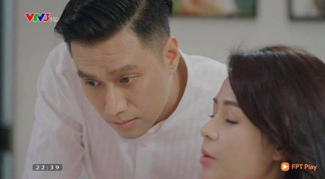 Hướng dương ngược nắng: Minh - Hoàng chính thức yêu nhau, đổi cách xưng hô lại còn hôn mọi lúc - Ảnh 5.
