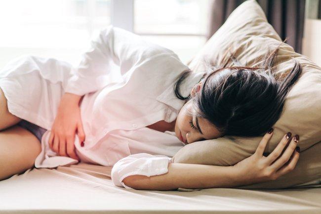 Lời khuyên của chuyên gia về chuyện chăn gối dành cho phụ nữ mắc bệnh lạc nội mạc tử cung - Ảnh 2.