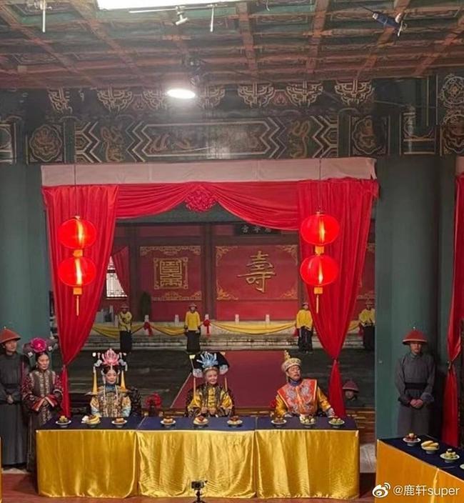 Dương Tử bị lộ tạo hình công chúa nhà Thanh, còn đóng lại vai Hạ Tử Vy trong Hoàn Châu Cách Cách - Ảnh 2.