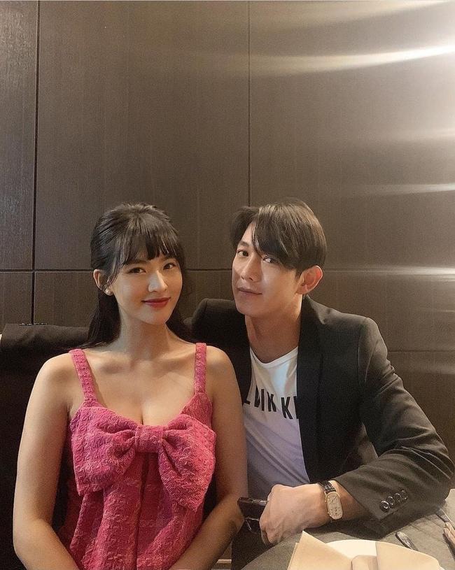 """Song Luân - Minh Trang của """"Cây táo nở hoa"""" tương tác ngọt lịm từ phim ra đời, bảo sao mà fan không đẩy thuyền - Ảnh 3."""