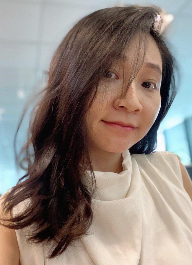 Từng chán nản với mái tóc khô, rụng cả búi, cô nàng 30+ tìm ra lọ serum phục hồi giảm rụng giúp tóc mỏng dính nhìn bồng bềnh hơn hẳn - Ảnh 9.
