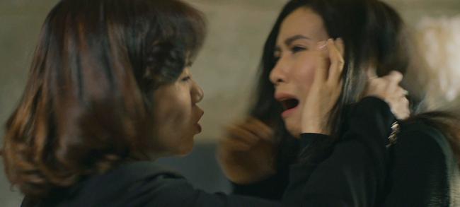 Hãy nói lời yêu: My (Quỳnh Kool) quỳ xin chính thất, bà Hoài cầm dao lao vào tiểu tam liền bị chồng tát lật mặt - Ảnh 2.