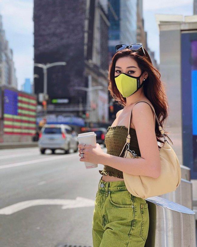 Style đời thường của Khánh Vân trái ngược hẳn với phong cách lồng lộn khi nàng hậu đi thi Miss Universe - Ảnh 2.