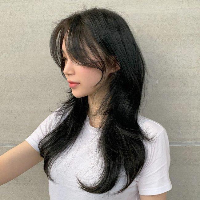 """5 kiểu tóc mái siêu nịnh mặt, chẳng cần """"dao kéo"""" vẫn che hết nhược điểm khuôn mặt: Nàng mặt to, mũi tẹt cũng tìm ra kiểu tóc chân ái - Ảnh 6."""