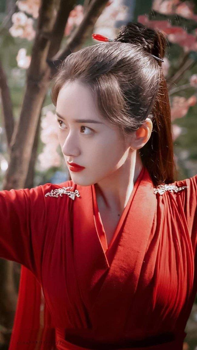 """""""Tiểu Triệu Lệ Dĩnh"""" - Viên Băng Nghiên lộ cảnh hôn môi, tạo hình váy đỏ được khen làm lu mờ Lưu ly mỹ nhân sát - Ảnh 6."""