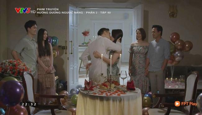 Hướng dương ngược nắng tập cuối viên mãn: Minh đồng ý lấy Hoàng, Kiên - Châu suýt hôn - Ảnh 4.