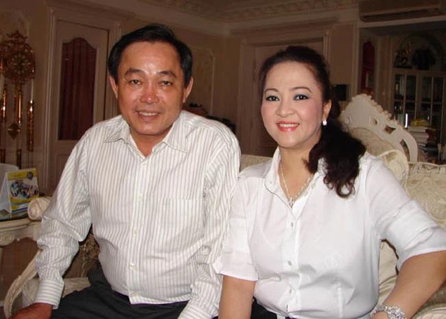 """Bà Phương Hằng chia sẻ về việc """"sống thử"""" 4 năm trước khi chính thức cưới và bí mật về """"vợ bé"""" của ông Dũng """"lò vôi"""" - Ảnh 2."""