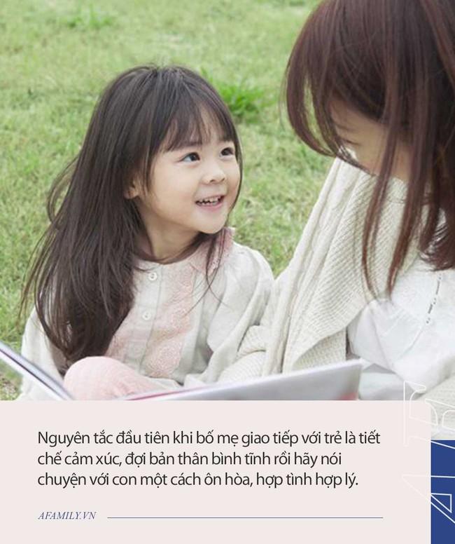 Nhiều bố mẹ than phiền con lầm lì, ít trò chuyện mà không biết mình mắc phải 4 lỗi giao tiếp cần tránh sau đây - Ảnh 2.