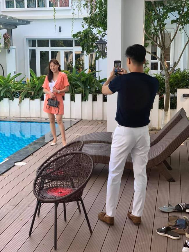 Phương Oanh đăng tạo hình mới trong Hương vị tình thân cực xinh, Mạnh Trường bị phát hiện chính là người chụp ảnh - Ảnh 3.
