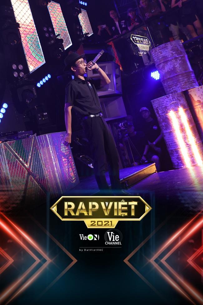 """Rap Việt: """"Touliver con"""", nữ rapper ôm gấu bông xuất hiện khiến ai nấy há hốc - Ảnh 3."""