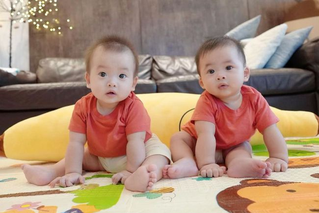 Điểm chung đáng yêu của dàn nhóc tỳ nhà sao Việt: Con gái Đông Nhi đã chập chững biết đi, Leon - Lisa nhà Hồ Ngọc Hà thích thú khi được làm điều này - Ảnh 3.