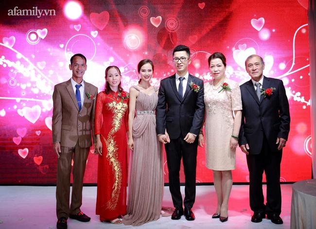 Chuyện tình cô gái Việt và thầy giáo người Thượng Hải hơn 11 tuổi: Đám cưới cổ tích đối diện tháp truyền hình Đông Phương và cuộc sống như mơ trên đất Trung Quốc! - Ảnh 7.