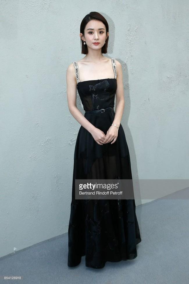 Triệu Lộ Tư để lộ cánh tay và eo nhỏ đến mức gây sốc, mỹ nữ Trần Thiên Thiên trong lời đồn quá giống Triệu Lệ Dĩnh - Ảnh 4.