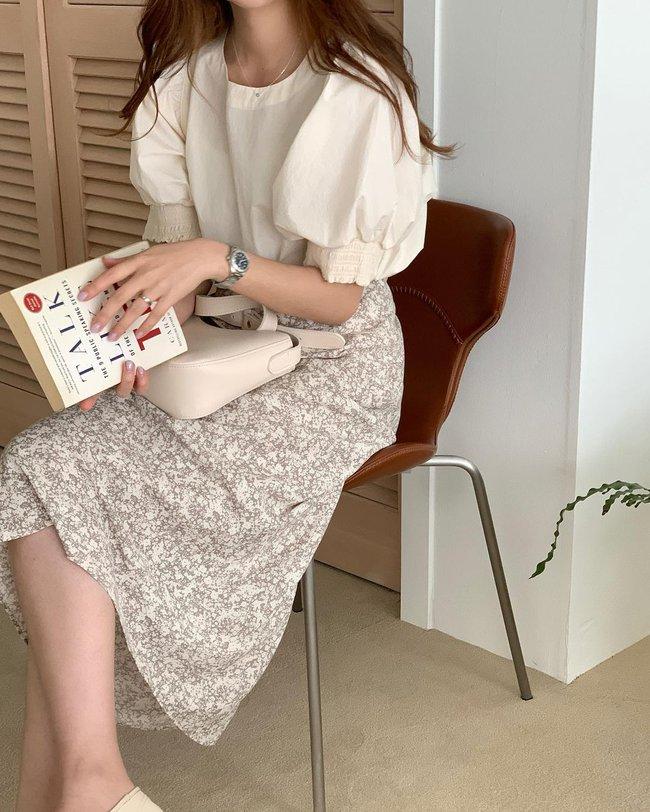 Diện chân váy dài đẹp xinh hết cỡ nhờ áp dụng 12 cách mix của gái Hàn - Ảnh 11.