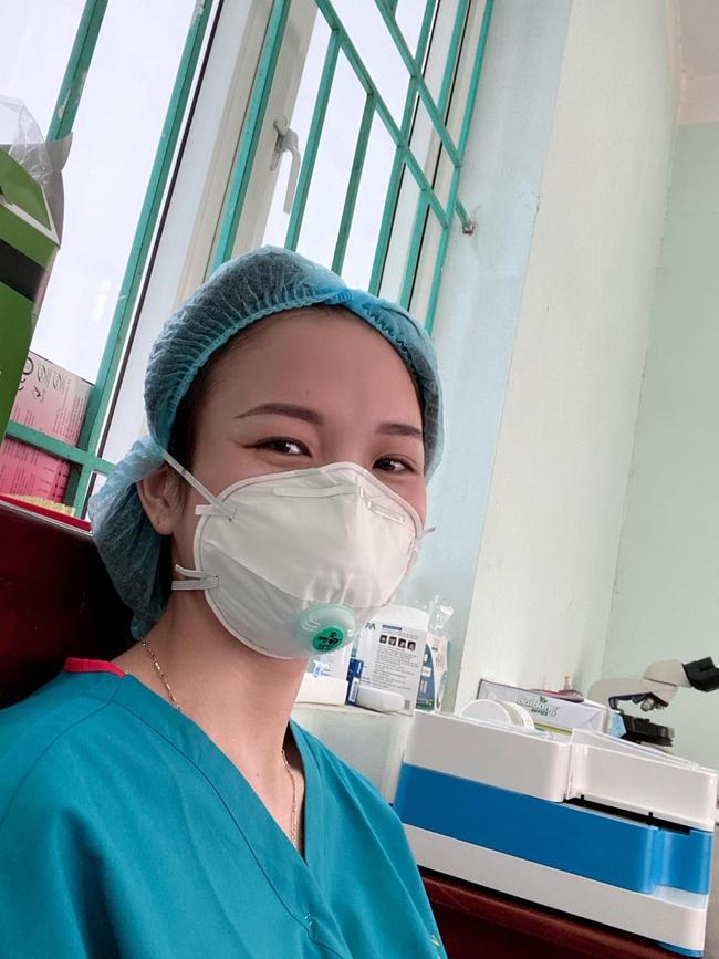 Nữ điều dưỡng