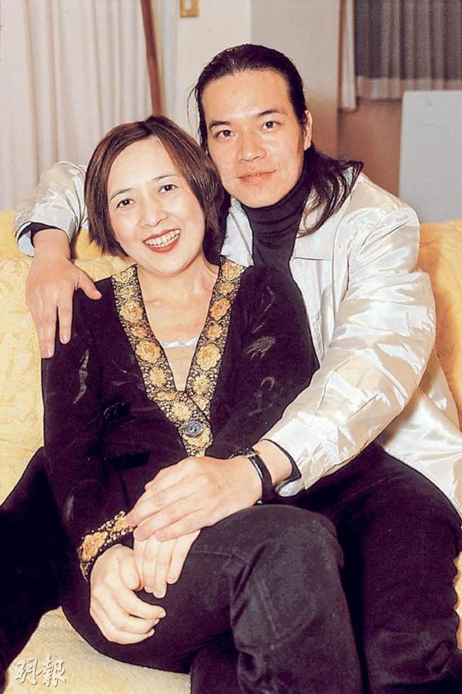 """Ly hôn người giàu có bậc nhất Hong Kong, nữ tỷ phú lên xe hoa với người nổi tiếng kém 6 tuổi và cái kết cuối đầy bi kịch khi phát hiện """"mặt tối"""" của chồng! - Ảnh 4."""