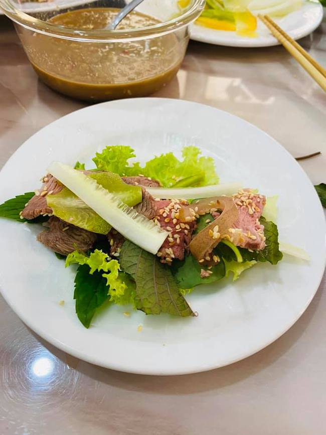 """Bị bà Phương Hằng chê """"không có nổi 1000 tỷ"""" nhưng Vy Oanh cũng thuộc dạng """"nứt đố đổ vách"""", rất chăm vào bếp, nấu toàn mâm cơm ngon nuốt lưỡi - Ảnh 11."""