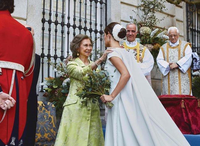 Không phải Kate Middleton hay Meghan Markle, đây mới là 2 cô dâu Hoàng gia có  - Ảnh 5.