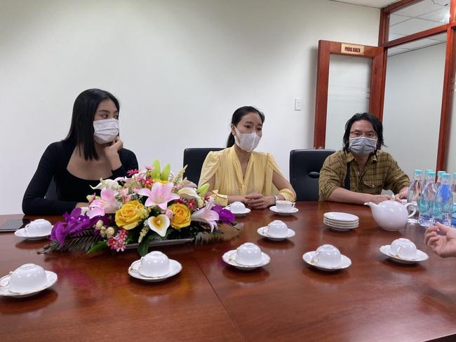 Hoa hậu Tiểu Vy, mua vaccine cho Bắc Giang