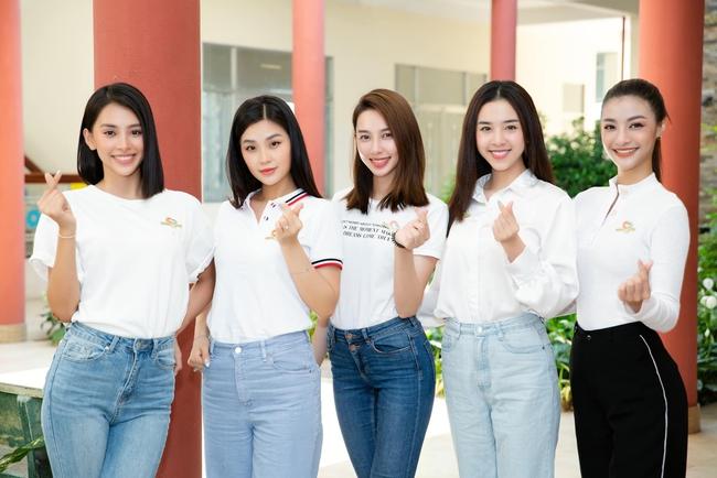 Hoa hậu Tiểu Vy, mua vaccine cho Bắc Giang, Bắc Giang