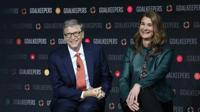 """Trước khi kết hôn, tỷ phú Bill Gates từng làm một việc rất """"đong đếm"""" ngay trong phòng ngủ và lời """"mổ xẻ"""" bất ngờ về cuộc hôn nhân của chính mình! - Ảnh 1."""