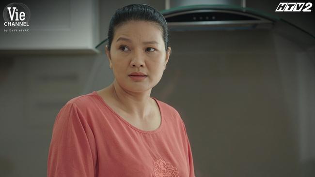 Cây táo nở hoa: Mẹ Phong xuất hiện, lộ quá khứ nộp hồ sơ du học khiến Phong bội ước với Châu - Ảnh 1.
