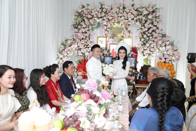 Con dâu nữ đại gia Phương Hằng: Học tại trường tư thục nổi tiếng ở TP.HCM, danh sách bạn bè toàn nhân vật showbiz đình đám - Ảnh 1.