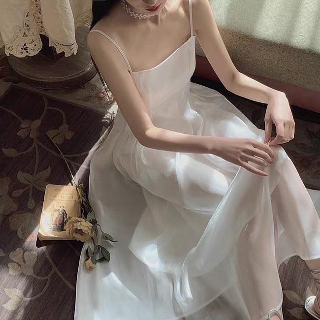 HH Kỳ Duyên mới đổi kiểu váy hai dây: Diện lên hình sống ảo xinh ngây ngất, nàng hậu còn tiết lộ luôn chỗ mua - Ảnh 13.