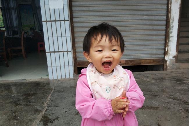 Con gái 1 tuổi không xinh đẹp như đứa trẻ khác, người mẹ lo lắng nhưng rồi thức tỉnh khi biết chúng có phúc nhờ những đặc điểm này - Ảnh 3.