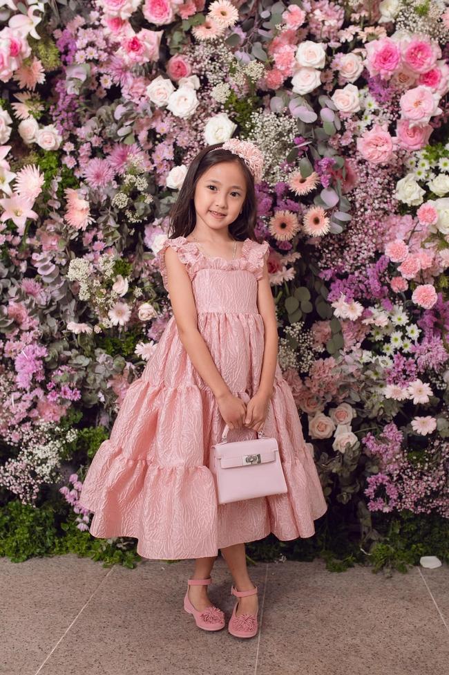 Chấm điểm nhan sắc 6 ái nữ Gen Alpha nhà sao Việt: Ai cũng xinh đẹp từ nhỏ, 3 gương mặt được công chúng dự đoán sẽ thành Hoa hậu - Ảnh 4.