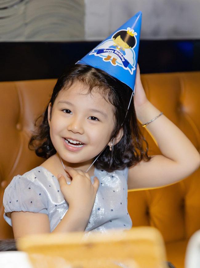 Chấm điểm nhan sắc 6 ái nữ Gen Alpha nhà sao Việt: Ai cũng xinh đẹp từ nhỏ, 3 gương mặt được công chúng dự đoán sẽ thành Hoa hậu - Ảnh 19.