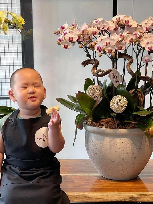 """""""Thánh hề"""" nhà Trà My Idol mới 2 tuổi đã nặng 19kg, tất cả bí quyết để sở hữu thân hình bụ bẫm gói gọn trong 1 sở thích - Ảnh 11."""