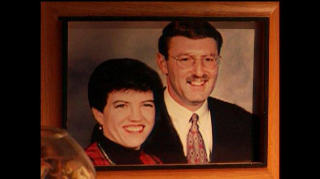Gã đàn ông ra tay giết vợ để được đến với nhân tình và hưởng tiền bảo hiểm, không ngờ bị người chết vạch trần tội ác - Ảnh 1.