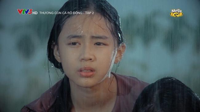 Hạnh Thúy gây bức xúc vì hành hạ cháu gái dã man trong phim VTV - Ảnh 5.