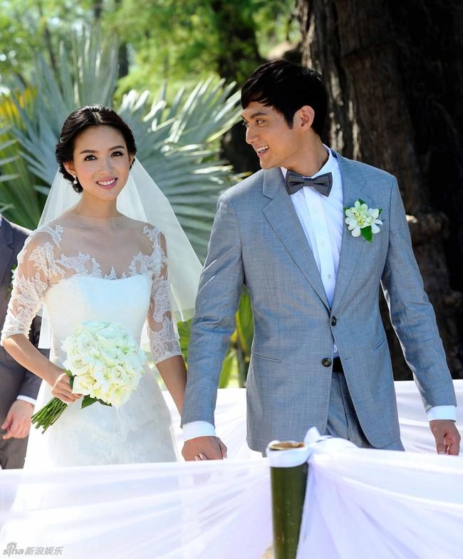 Trầm trồ trước nhan sắc không trang điểm của hoa hậu Trương Tử Lâm khi mang thai lần 2 - Ảnh 1.