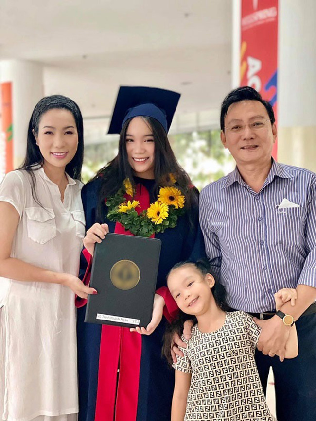 Á hậu kín tiếng dính lùm xùm với bà Phương Hằng - vợ ông Dũng Lò Vôi: 59 tuổi vẫn tốt nghiệp đại học, gây ngạc nhiên vì cách dạy con - Ảnh 4.