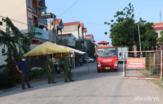 Bắc Ninh: Phong tỏa huyện Thuận Thành từ 14h chiều nay, áp dụng nghiêm các biện pháp theo Chỉ thị số 16 với gần 200.000 người dân - Ảnh 1.