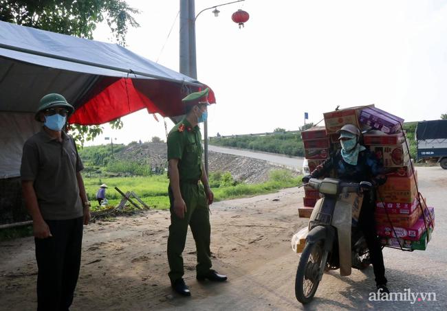 Bắc Ninh: Phong tỏa huyện Thuận Thành từ 14h chiều nay, áp dụng nghiêm các biện pháp theo Chỉ thị số 16 với gần 200.000 người dân - Ảnh 2.
