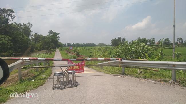 Hà Nộ khuyến cáo người dân đi về từ Bắc Ninh (Ảnh một chốt kiểm soát y tế)