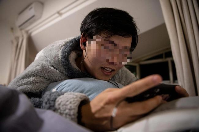 """Chăm sóc anh trai bị liệt của """"người yêu online"""" 8 năm, người đàn ông tưởng được vào hào môn lại cay đắng phát hiện danh tính vợ tương lai - Ảnh 1."""