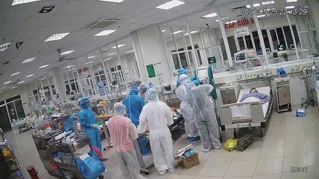 """Bệnh viện Nhiệt đới TW: 11 bệnh nhân nặng và """"siêu nặng"""" được cứu sống thần kỳ - Ảnh 1."""
