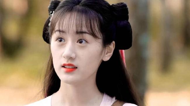 Viên Băng Nghiên xoay váy lộ góc nghiêng, xinh đẹp thế nào mà fan tức giận trách móc ekip Lưu ly mỹ nhân sát - Ảnh 6.