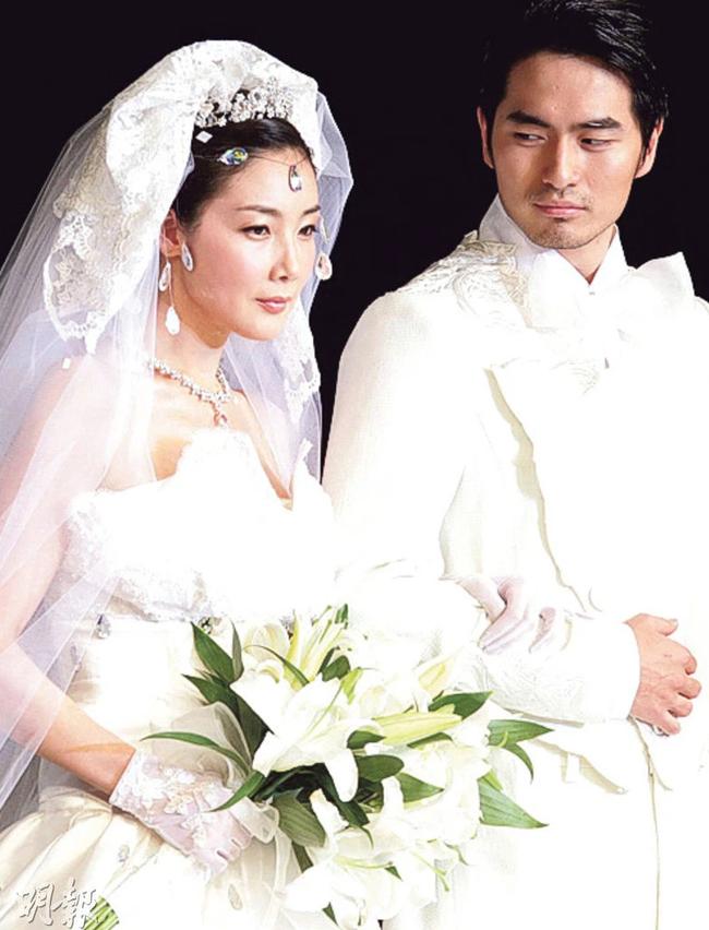 """""""Nữ hoàng nước mắt"""" Choi Ji Woo: Nhiều năm lận đận đường tình duyên, đang ổn định với hôn nhân ở tuổi U50 lại bất ngờ bị """"bóc"""" đời tư thác loạn - Ảnh 7."""
