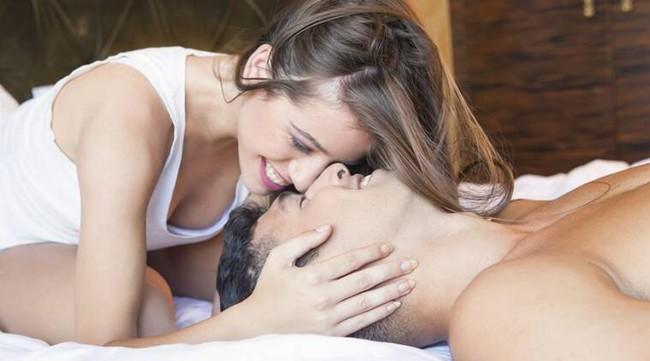 """Trước khi bước vào """"cuộc yêu"""", cô vợ đều làm một chuyện """"quá đáng"""" với chồng nhưng lại giúp thổi bùng thăng hoa cực đỉnh - Ảnh 2."""