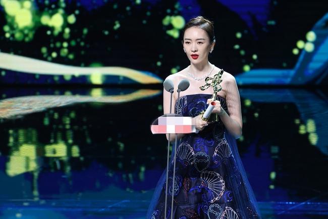 Bạch Ngọc Lan: Đồng Dao đại thắng, Triệu Lệ Dĩnh vừa đi sự kiện quảng cáo sản phẩm đã bị mắng chửi - Ảnh 1.