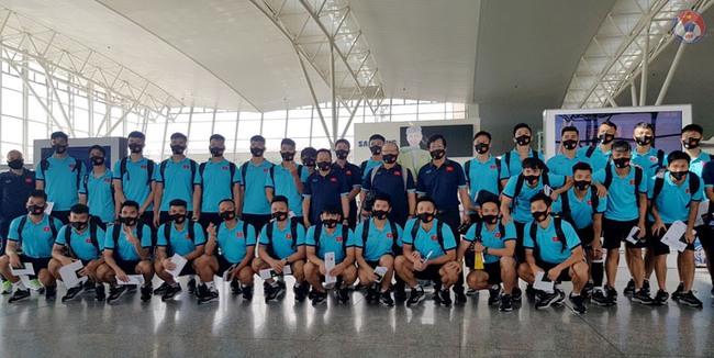 Choáng ngợp với hình ảnh khách sạn 5 sao mà đội tuyển Việt Nam đã check in tại Dubai - Ảnh 1.