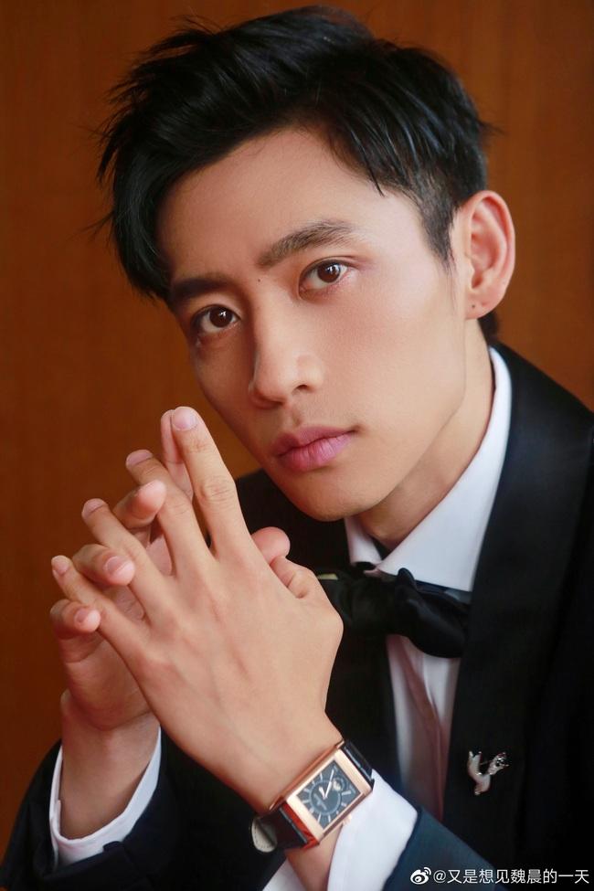 Thảm đỏ LHP Quốc tế Thượng Hải: Quang Hiểu Đông khoe vòng eo siêu thon, Tạ Đình Phong điển trai chuẩn tài tử ở tuổi 40 - Ảnh 7.