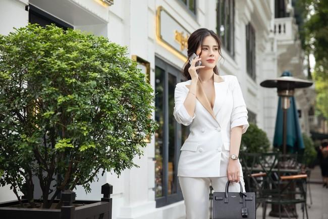 CEO 9x Loan Nguyễn - Mua 3 căn nhà 1 năm thành công khi theo đuổi lĩnh vực bảo hiểm - Ảnh 2.